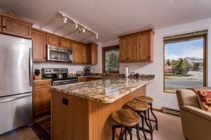 351 S 2nd Ave, 611, Ketchum, ID 83340