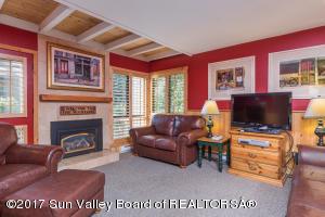 1426 Cottonwood Condo Dr, Sun Valley, ID 83353
