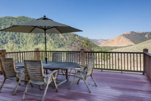 Built to maximize views, perched on the hill where you couldn't build today. This large balcony features views down East Fork to Golden Eagle and the mouth of Green Horn canyon.