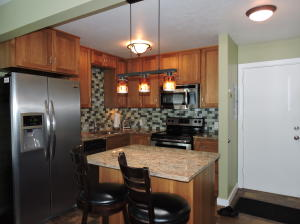Warm and cozy condo near downtown and ski lifts