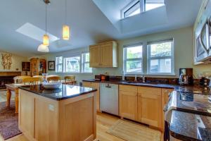 Fully and beautifully remodeled kitchen