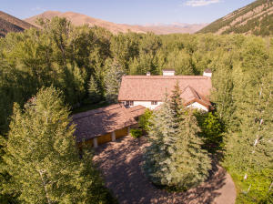 117 Pioneer Mountain Dr, Hailey, ID 83333