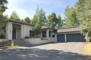 526 Juniper Rd, Sun Valley, ID 83353