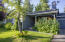 Welcoming cottage-style single-level