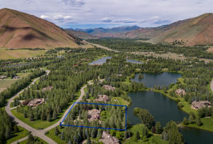 100 Eagle Lake Dr, Ketchum, ID 83340