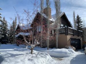 212 PARKWAY Dr, Ketchum, ID 83340