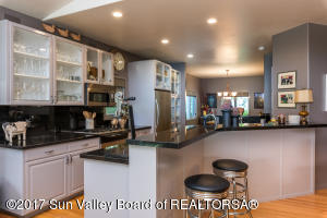 102 Blue Bell St, Sun Valley, ID 83353