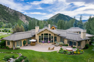 406 Canyon Rd, Hailey, ID 83333