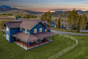 78 Pioneer View Dr, Hailey, ID 83333