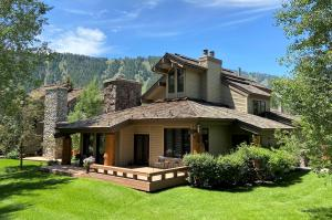 602 Nez Perce Ct, Sun Valley, ID 83353