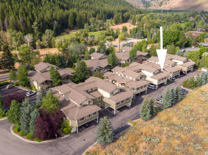 Premier location just minutes to Ketchum and Sun Valley.