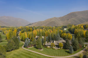 301 Fairway Rd, Sun Valley, ID 83353