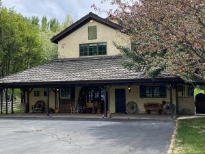 93 Townsend Gulch Front Entry With Covered Porch