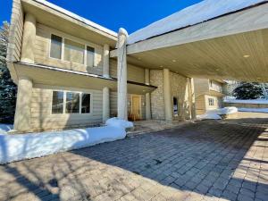 106 Fairway Rd, Sun Valley, ID 83353