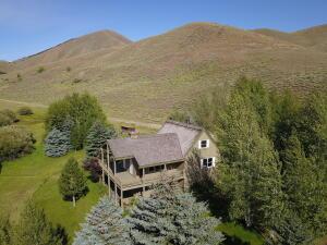 204 Apache Dr, Rural Blaine County, ID 83333