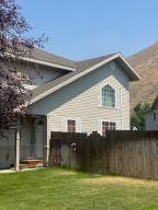 3 bedroom home in Woodside with private yard