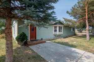 617 N 4th St, Bellevue, ID 83313