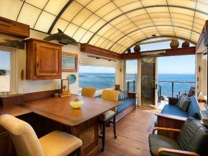 1558 Miramar Beach, MONTECITO, CA 93108