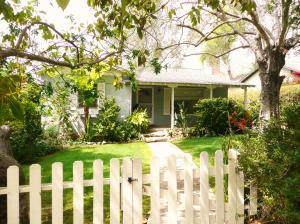 623 Orchard Ave, SANTA BARBARA, CA 93108