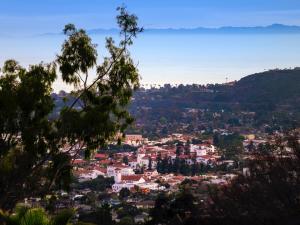 1832 E Las Tunas Rd, SANTA BARBARA, CA 93103
