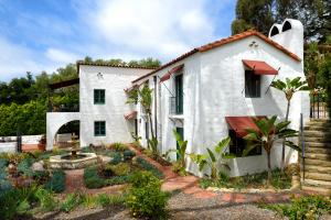 1940 Mission Ridge Rd, SANTA BARBARA, CA 93103