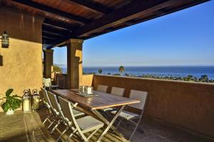 1585 La Vista Del Oceano, SANTA BARBARA, CA 93109