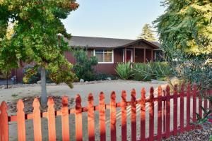 225 Perkins St, LOS ALAMOS, CA 93440