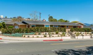 1660 Shoreline Dr, SANTA BARBARA, CA 93109