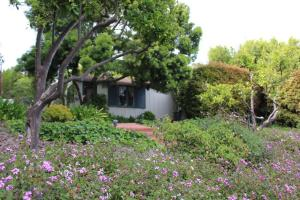 233 Hot Springs Rd., SANTA BARBARA, CA 93108