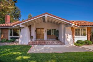 2060 Hillsbury Rd, WESTLAKE VILLAGE, CA 91361
