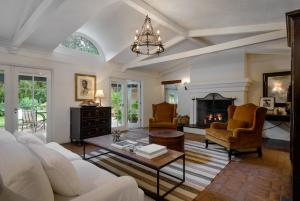 299 Sheffield Dr, SANTA BARBARA, CA 93108