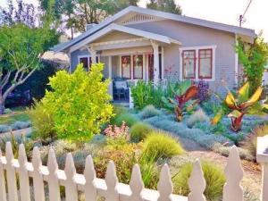 825 Alberta Ave, SANTA BARBARA, CA 93101