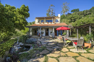 Charming Provencale Home With Ocean & City Views!