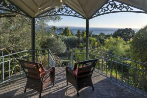 The gazebo and views