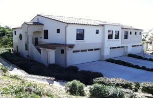 Large, house like, end unit at top of cul de sac.