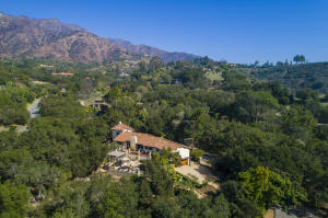 Secluded hideaway yet close to Montecito Upper Village