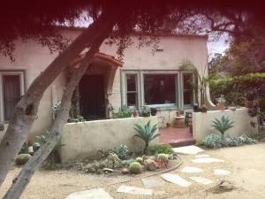 3061 Calle Noguera, SANTA BARBARA, CA 93105