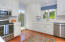 3739 Lincolnwood Dr - Kitchen
