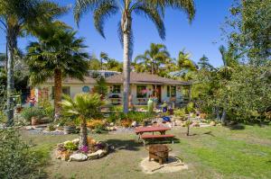 1437 San Miguel Ave, SANTA BARBARA, CA 93109