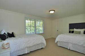 Bedroom 3, upper level with 2 queen beds