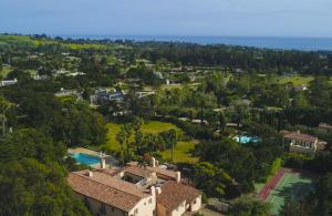 Iconic Montecito estate on 2.8 centrally located acres,