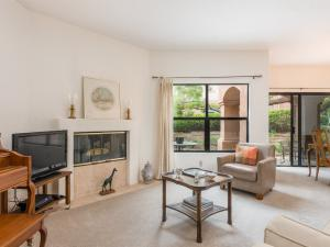 4662 Gerona Way, SANTA BARBARA, CA 93110