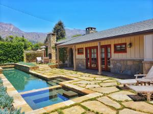 2162 E Valley Rd, SANTA BARBARA, CA 93108