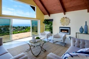 608 Litchfield Ln, SANTA BARBARA, CA 93109