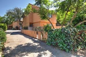 4770 9th St, CARPINTERIA, CA 93013