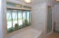 master bedroom tub area with private view garden
