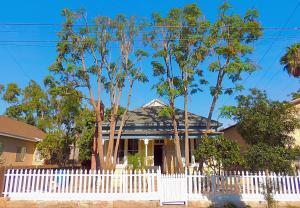 806 Orange Ave, SANTA BARBARA, CA 93101