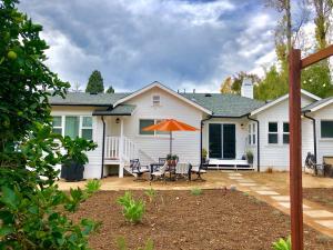 496 N La Cumbre Rd, SANTA BARBARA, CA 93110