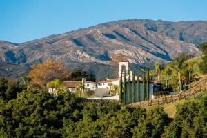 10700 Calle Quebrada, MONTECITO, CA 93117