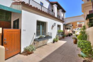 350 Chapala Street, 210, SANTA BARBARA, CA 93101
